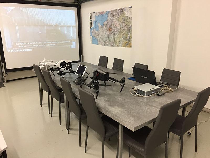 Salle de cours - Formations drones professionnels à Reims - Artech'drone