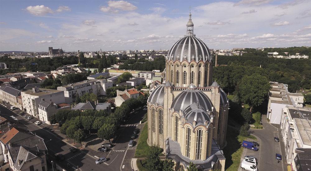 Basilique St Rémi de Reims vue du ciel