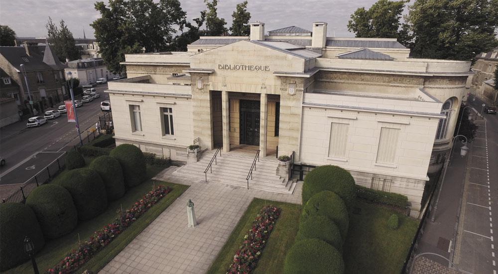 Prise de vue aérienne par drone de la Bibliothèque de Reims